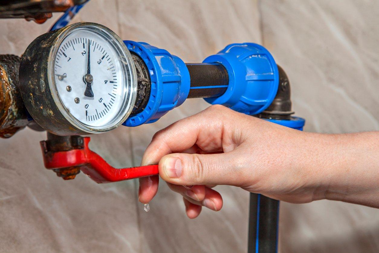 Pressure gauge iStock-532863828