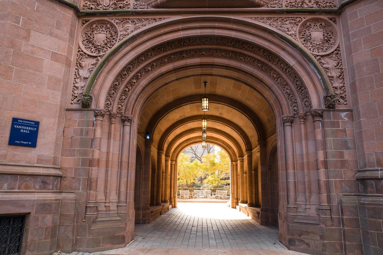 Yale Vanderbilt Hall iStock-499811536